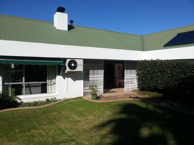 Property For Sale in Sonstraal, Durbanville 4