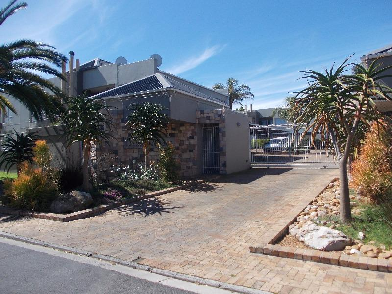 Property For Sale in Kenridge, Durbanville 1