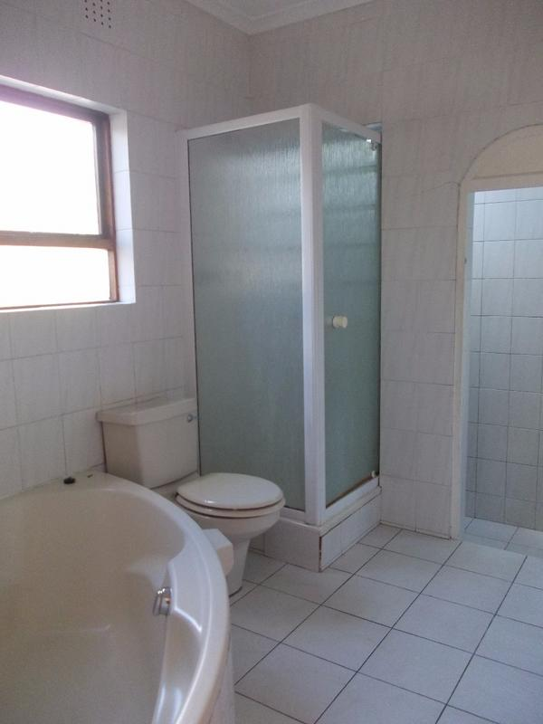 Property For Sale in Bellville, Bellville 8