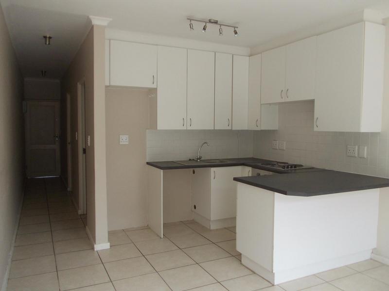 Property For Rent in Rosendal, Bellville 4