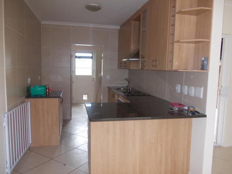 Property For Rent in Loevenstein, Bellville 3