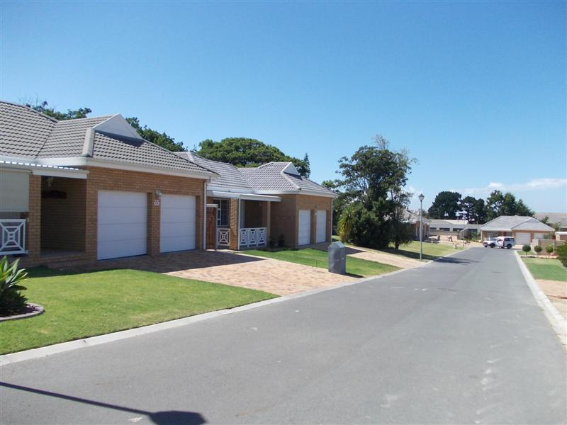 Property For Rent in Loevenstein, Bellville 7