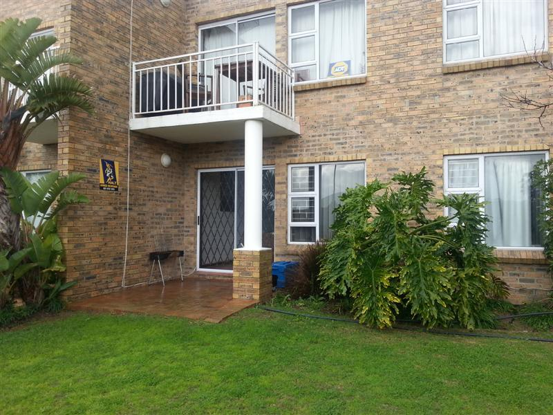 Property For Rent in The Crest, Durbanville 3
