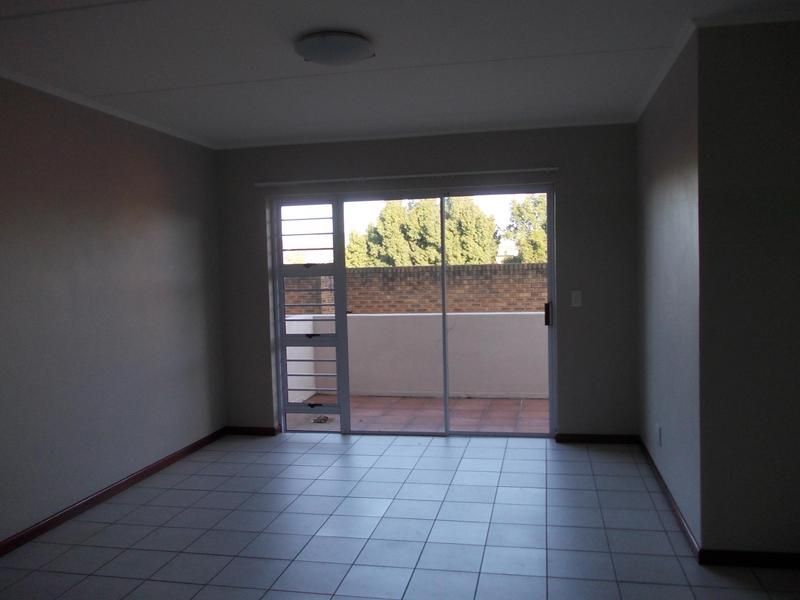 Property For Rent in Rosendal, Bellville 3