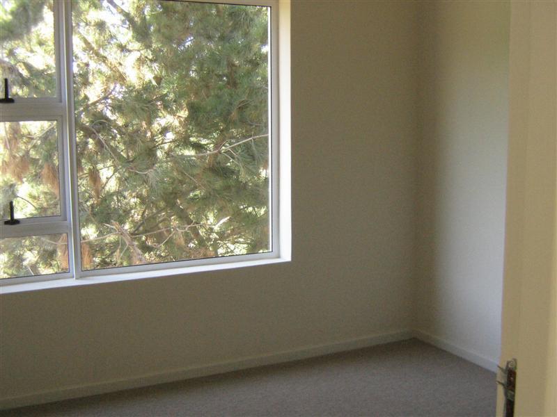 Property For Rent in Rosendal, Bellville 10