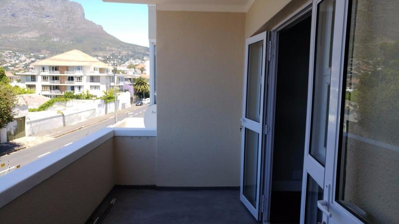 Property For Rent in Tamboerskloof, Cape Town 9