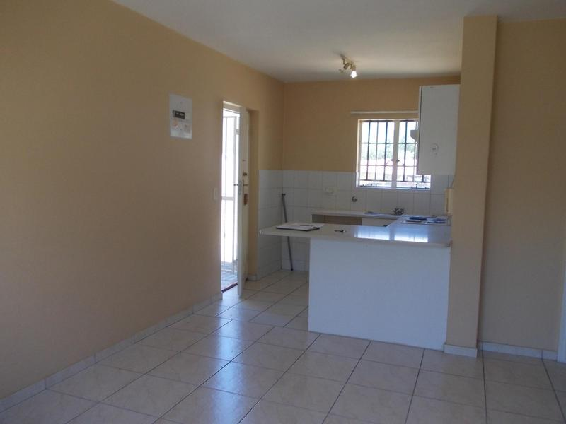 Property For Rent in Oakglen, Bellville 9