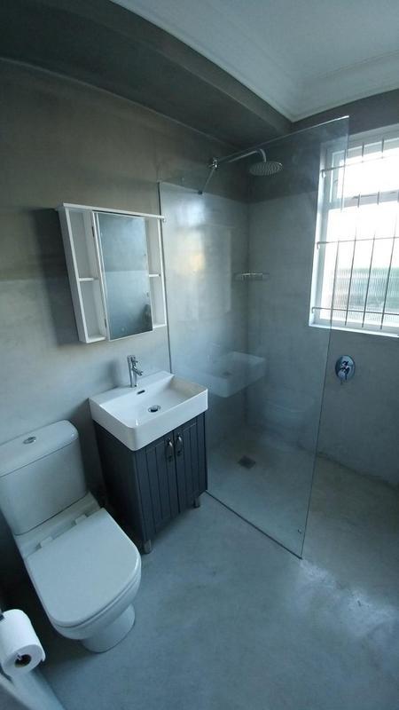 Apartment / Flat For Rent in Rosebank, Cape Town