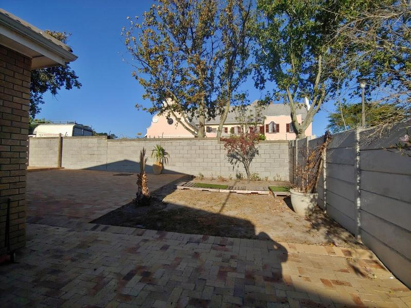 Property For Rent in Oostersee, Parow 5