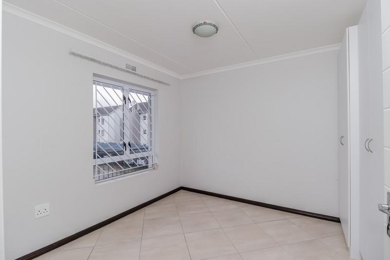 Property For Rent in Buh-rein, Cape Town 14