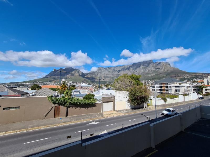 Property For Rent in Tamboerskloof, Cape Town 5