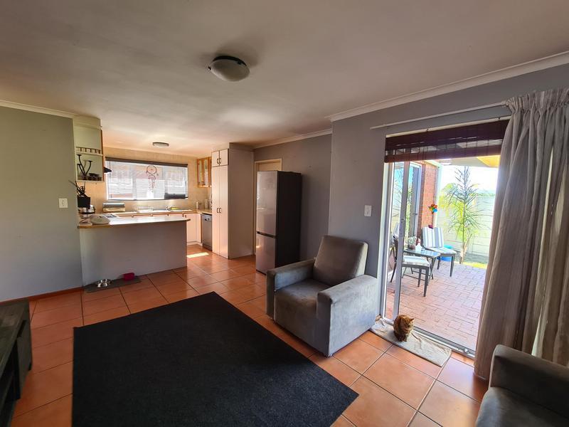 Property For Rent in Uitzicht, Kraaifontein 5