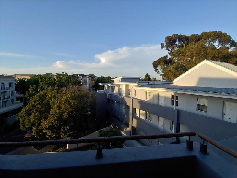 Apartment / Flat For Rent in Tyger Valley, Bellville