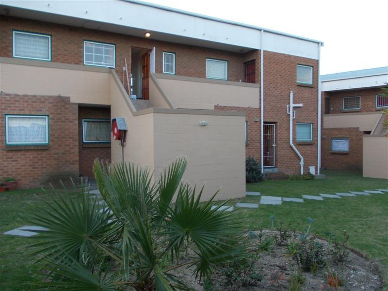 Property For Rent in Oakglen, Bellville 1