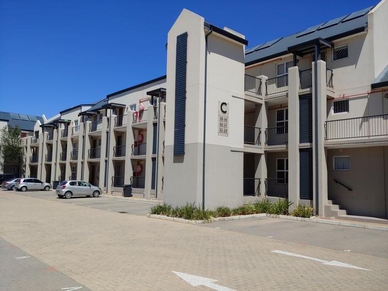 Property For Rent in Buh-rein, Cape Town 2