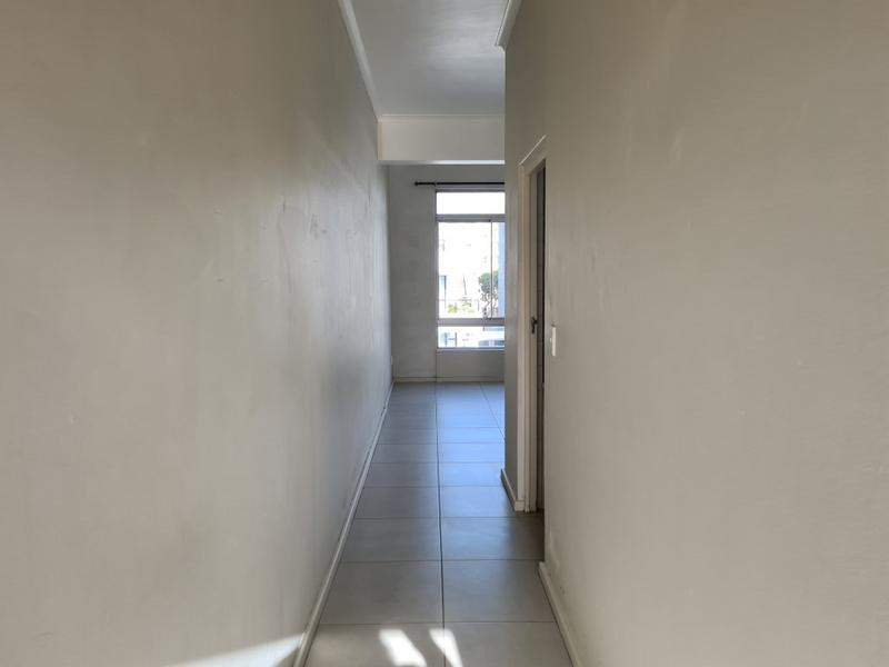 Property For Rent in Sea Point, Cape Town 7