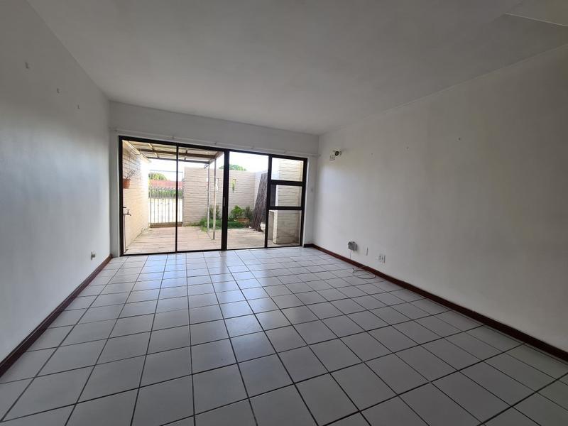 Property For Rent in La Rochelle, Bellville 4
