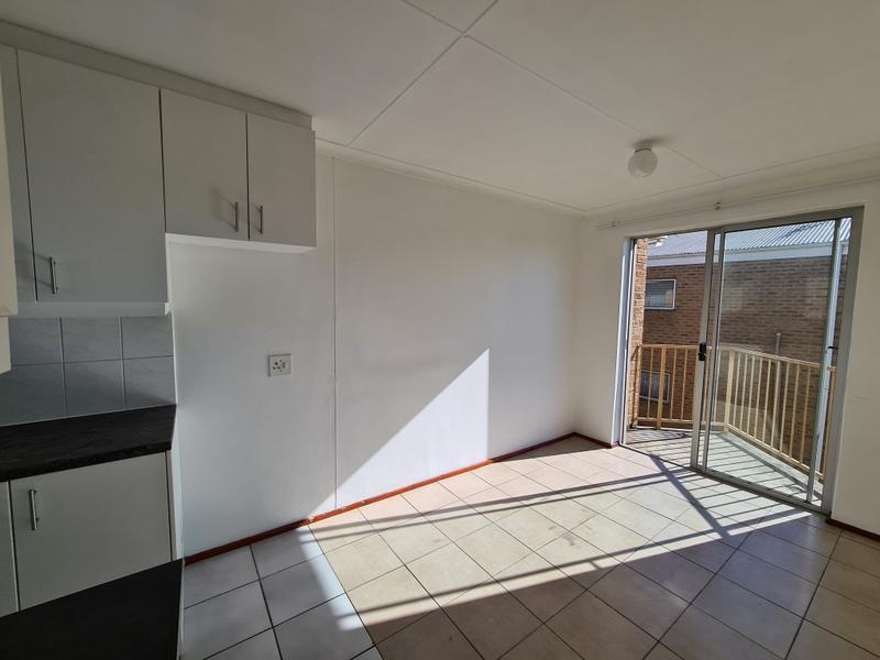 Property For Rent in Oakglen, Bellville 3